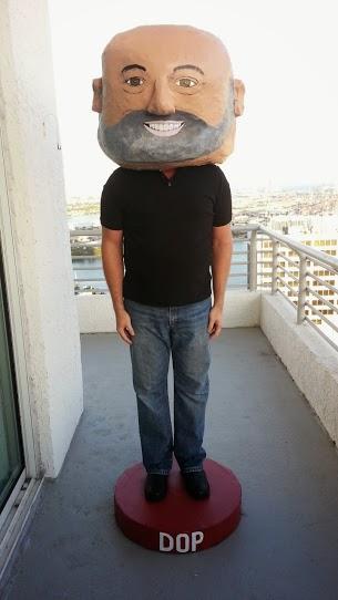 Bobblehead costume Dop